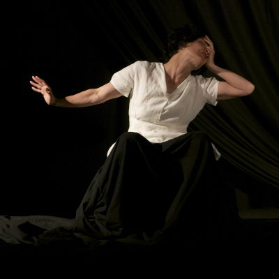 Lindy Annis - the feminine figures